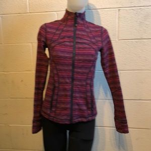 Lululemon plum & purple Define jacket sz 6 59736